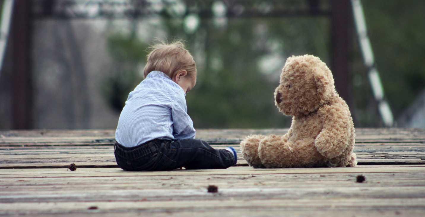 Mengasingkan Anak Memberikan Penghargaan dan Hukum Anak ADHD