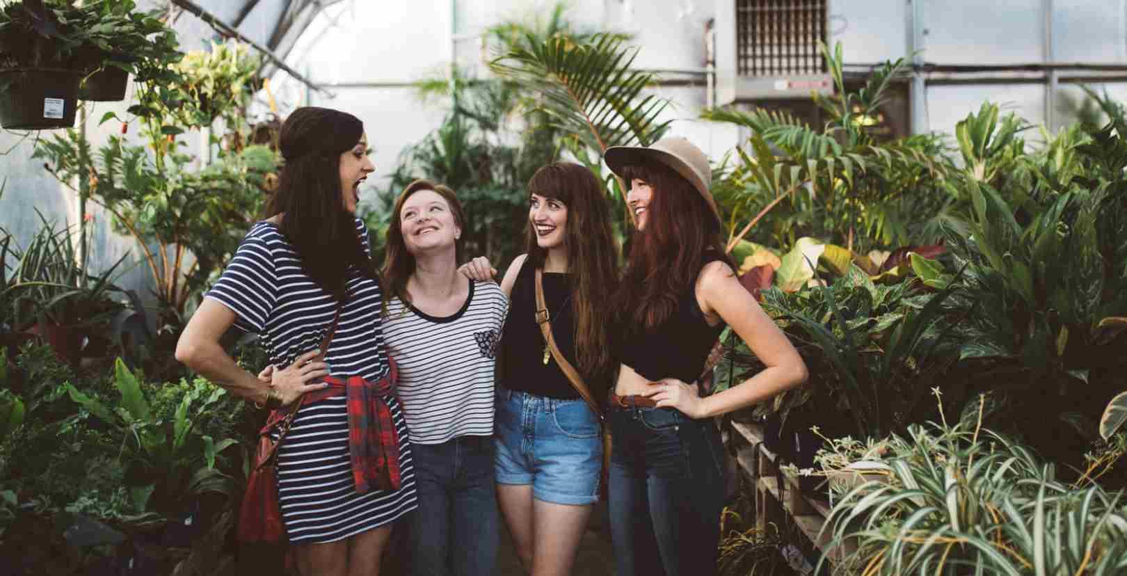 Jomblo Membuatmu Lebih Banyak Berkumpul Dengan Teman