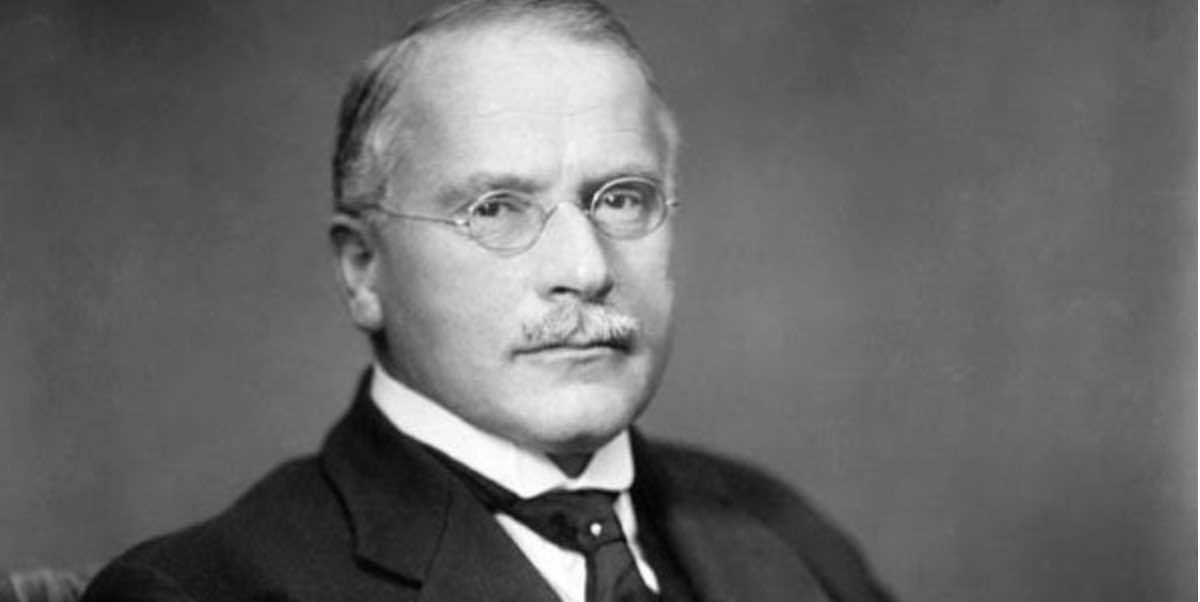 Ekstrovert dan Introvert menurut Carl Gustav Jung