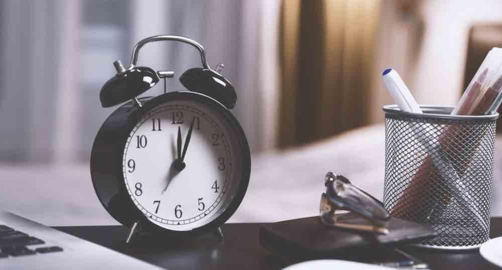 Kamu Membuang Waktu Menemukan Hubungan Sejati