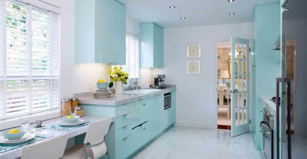 Cat Rumah Warna Kombinasi Biru Putih