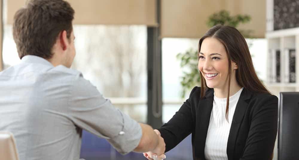 Dengarkan Dengan Baik Setiap Kali Klien Berbicara
