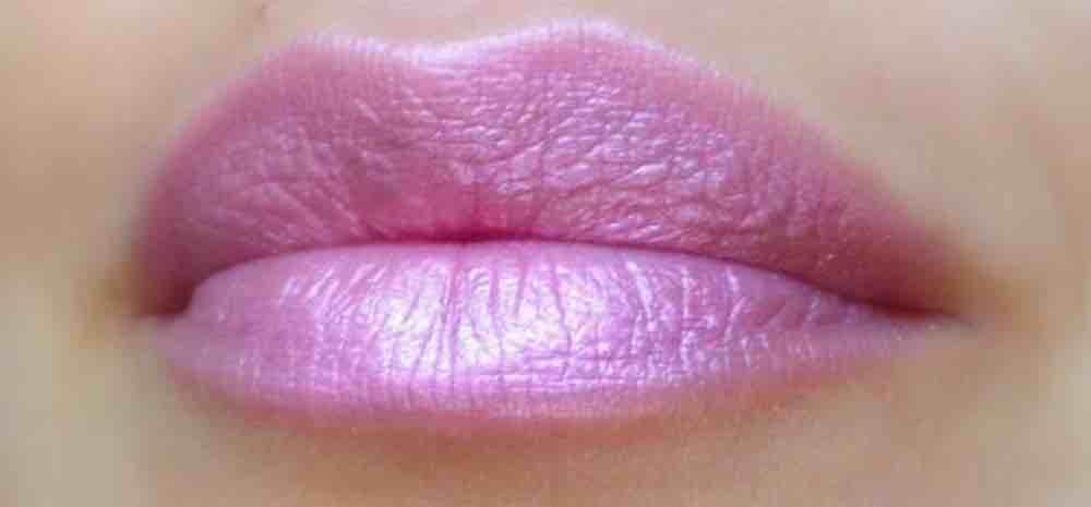 Jenis Frosty Lipstick