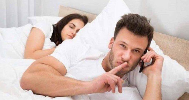 Hal Yang Menandakan Pasangan Menyukai Orang Lain