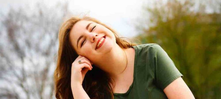 Fakta Psikologis Tentan Tersenyum