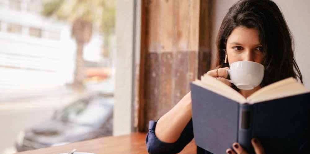 Perbanyak Membaca Tentang Asmara