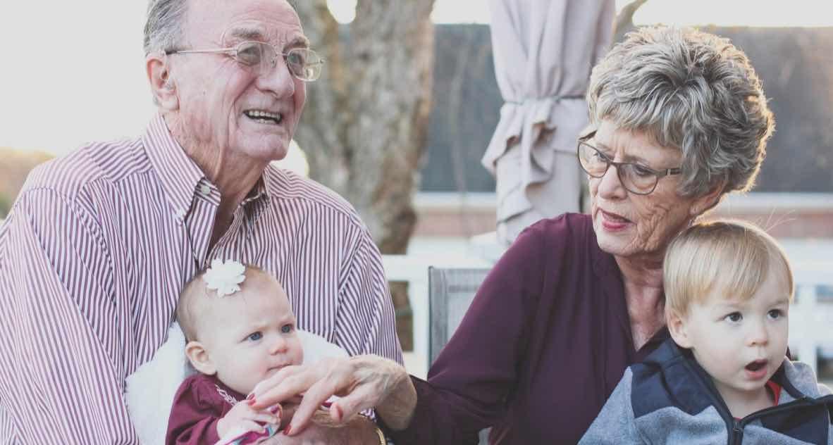 Cucu Memiliki Gen Lebih Banyak Dari Nenek