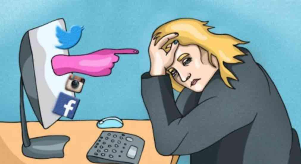Sering Melihat di Sosial Media