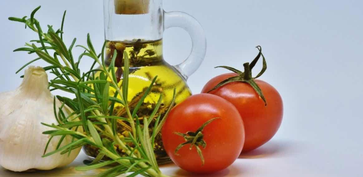 Tomat dan Minyak Zaitun
