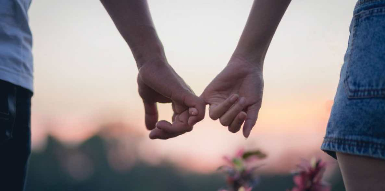 Cinta Adalah Buah Pemikiran Panjang