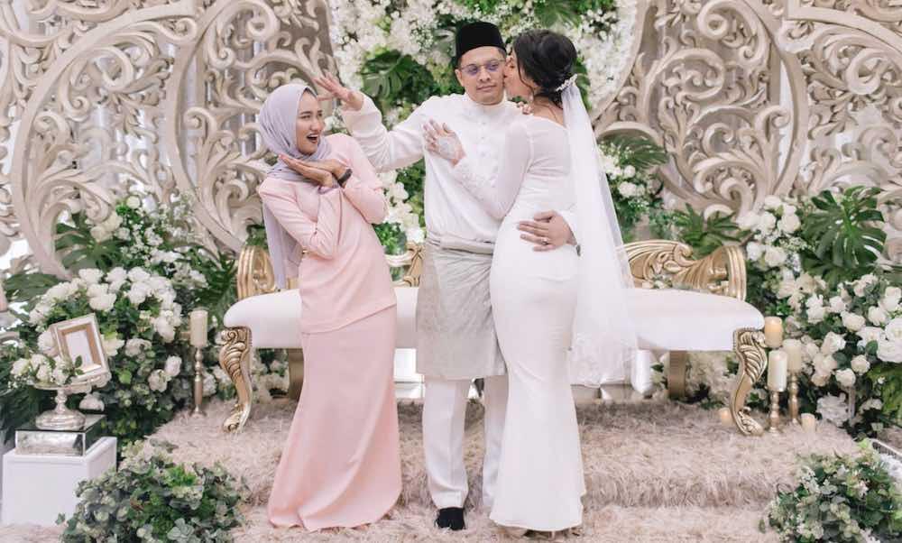 Datang Ke Pernikahan Mantan