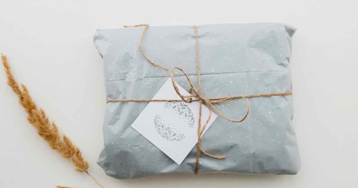 Mengirim Hadiah
