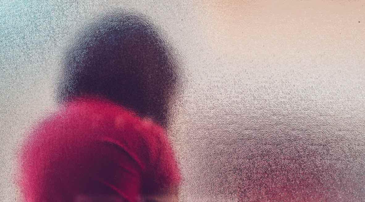 Menyembunyikan Rahasia Hubungan