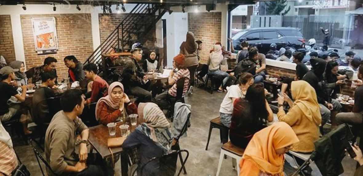 Nongkrong di Cafe