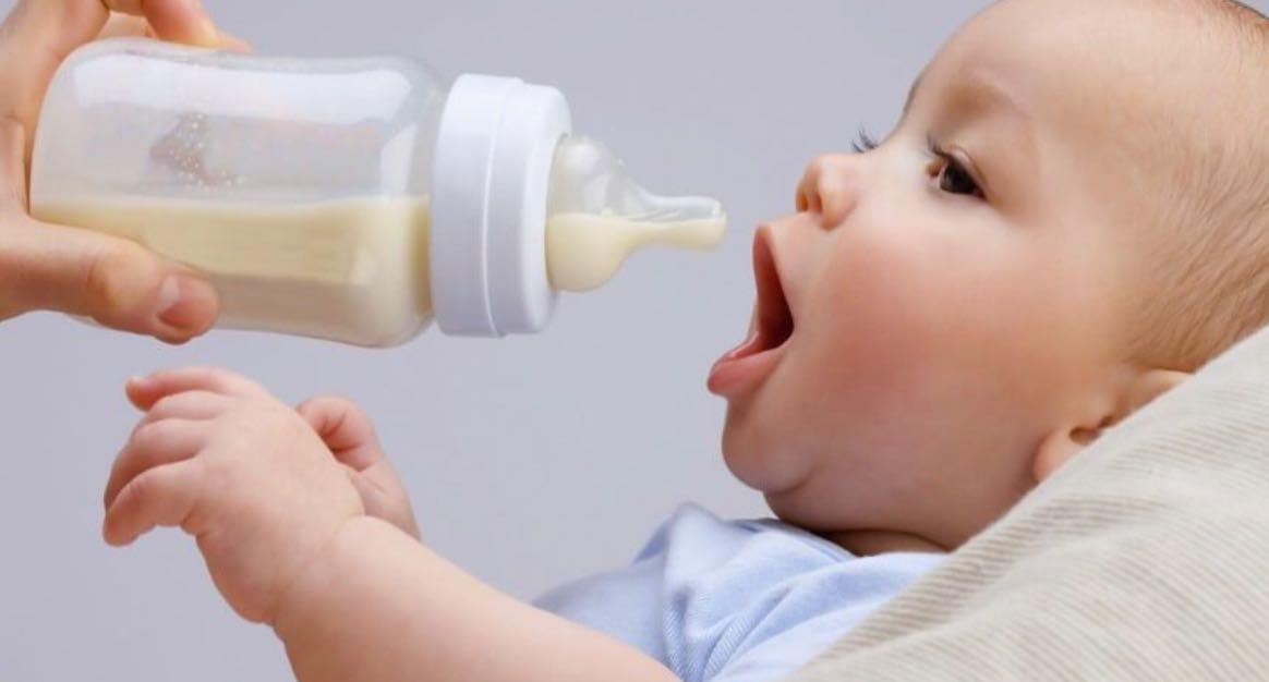 Memperhatikan Asupan Cairan Pada Bayi