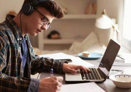Memilih Kuliah Online Bagi Karyawan
