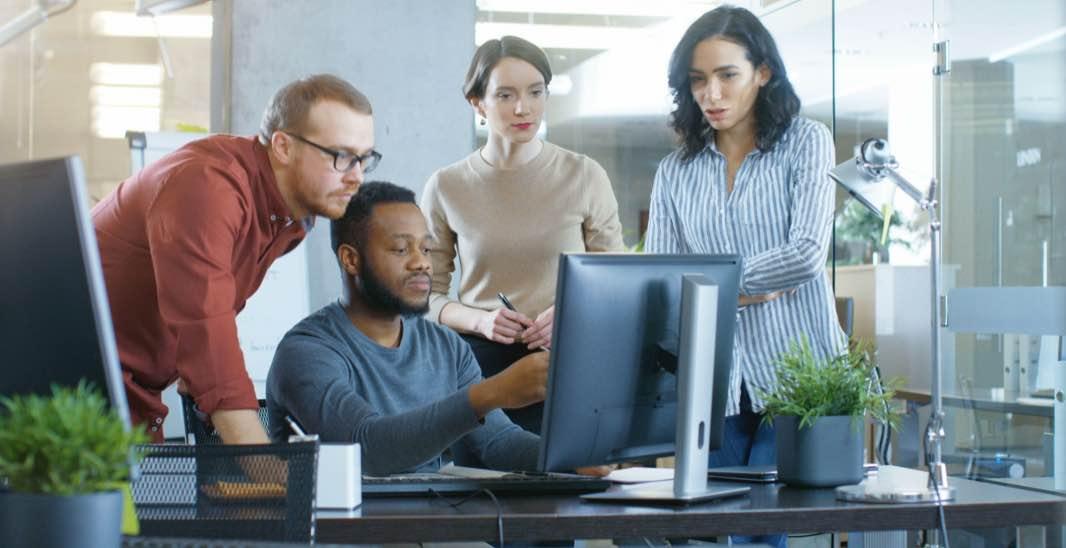 Memperlakukan Rekan Kerja Sebagai Individu