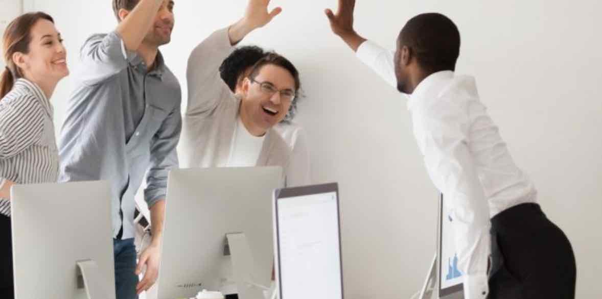 Tipe Karyawan Yang Suka Mendapatkan Pujian