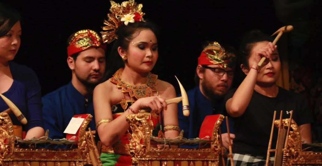 Memahami Budaya Sendiri