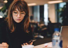 Milenial Rawan Depresi di Tempat Kerja