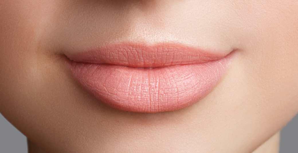 Membaca Bahasa Tubuh Dari Bibir