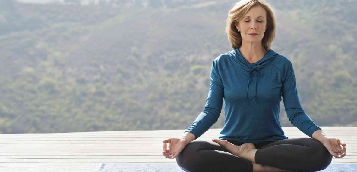 Melakukan Meditasi di Rumah