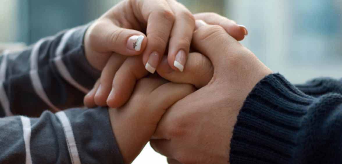 Mendukung Pasangan