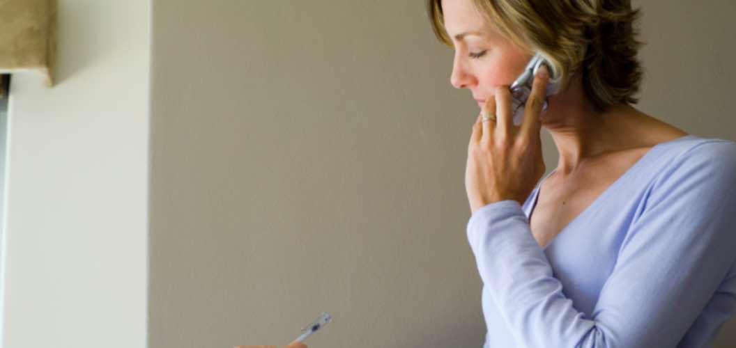 Menelpon Seseorang Untuk Mengobrol