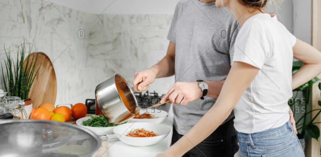 Belajar Memasak Makanan Kesukaan Pacar