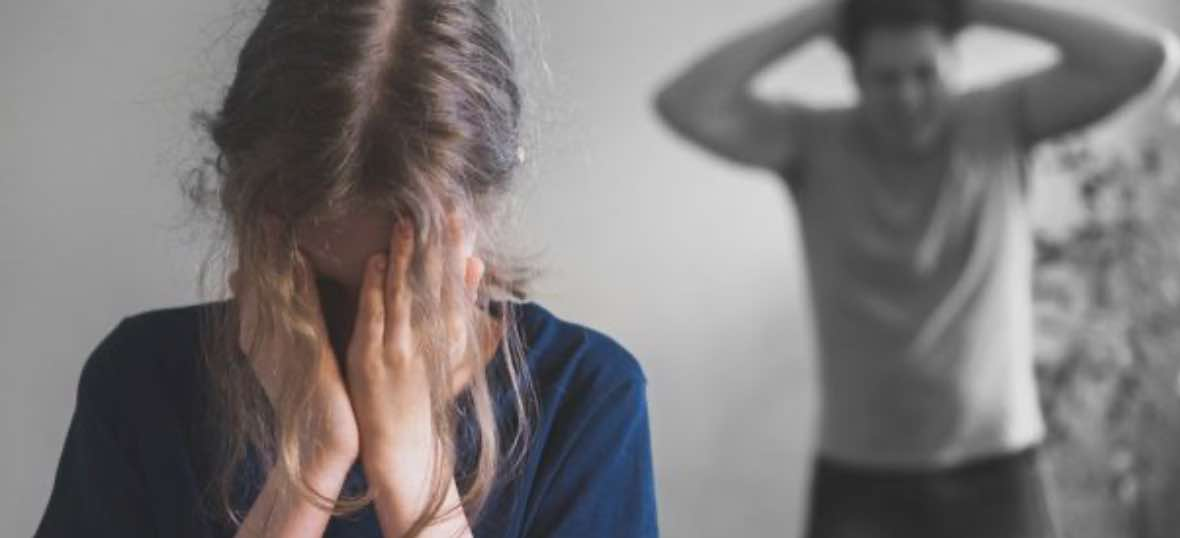 Perkataan Kasar Suami Melarang Istri Ikut Campur