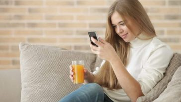 Menyatakan Cinta Lewat Whatsapp